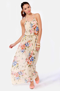 That's Floral Like It Beige Floral Print Maxi Dress at Lulus.com!