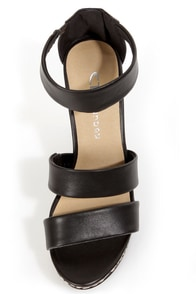 Chinese Laundry Ines Black Printed Platform Wedge Sandals at Lulus.com!
