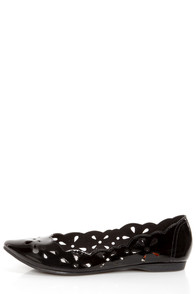 Rocket Dog Carey Black Patent Scalloped Cutout Flats at Lulus.com!