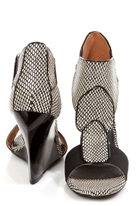 Kelsi Dagger Elin White and Black Snake Print Sculptural Wedges at Lulus.com!