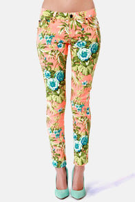Tripp NYC Orange Paradise Floral Print Skinny Jeans at Lulus.com!