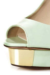 Luichiny Free To Be Mint Gold Plated Peep Toe Platform Pumps at Lulus.com!