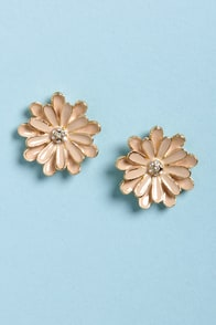 Good Old Daisies Blush and Gold Flower Earrings at Lulus.com!