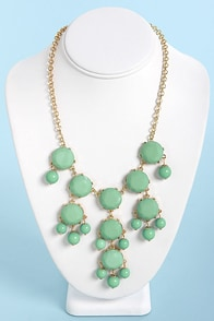 Creme de la Gem Mint Statement Necklace at Lulus.com!