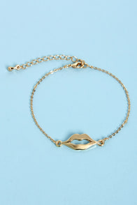 Mouth to Mouth Gold Lips Bracelet at Lulus.com!