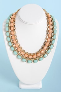 Hot Under the Collar Peach and Mint Necklace