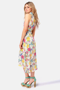 Lucca Couture Daisy Chain Floral Print Midi Dress at Lulus.com!