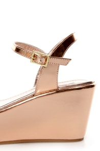 Soda Jozy Penny Metallic Flatform Wedge Sandals at Lulus.com!