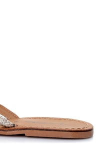 Tory 11 Taupe Python Print Thong Sandals at Lulus.com!
