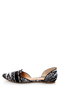 Report Jezzica Black and White Print D'Orsay Pointed Flats