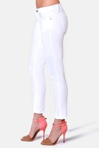 All Pants on Deck Cropped White Skinny Jeans at Lulus.com!