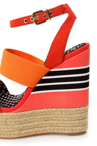 Jessica Simpson Cosset Tomato Red Multi Platform Wedge Sandals at Lulus.com!