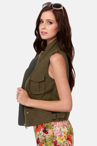 Costa Blanca Lara Cropped Army Green Cargo Vest at Lulus.com!