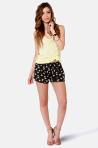 Fun and Games Black Butterfly Print Shorts at Lulus.com!