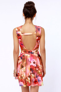 Deep Bloom Sea Floral Print Backless Dress at Lulus.com!