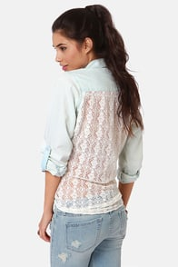 Lira Darling Lace Back Button-Up Top at Lulus.com!