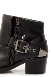 Sixtyseven Dakota Floater Black Cuffed and Belted Ankle Boots at Lulus.com!