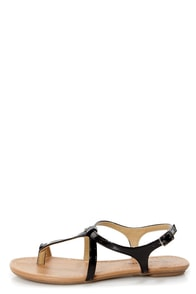 City Classified Kimie Black Patent Toe Loop Thong Sandals at Lulus.com!
