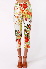 Lavand Fruits Me Fine Floral Print Pants at Lulus.com!