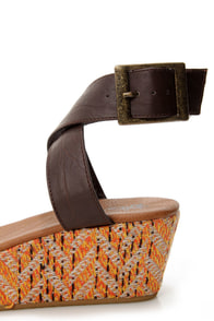 Volcom Fabulous Brown Banded Woven Flatform Sandals at Lulus.com!