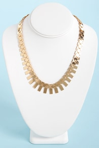 Built to Scales Necklace at Lulus.com!