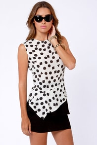 Shape-y Grounds Ivory Print Top at Lulus.com!
