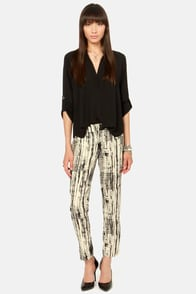 Crop and Stare Black and Cream Print Pants at Lulus.com!