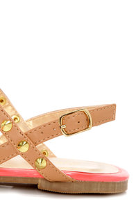 Promise Top Camel Studded T-Strap Thong Sandals at Lulus.com!
