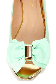 Mixx Shuz Dolly Mint and Gold Bow-Topped Peep Toe Flats at Lulus.com!