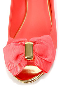 Mixx Shuz Dolly Coral and Gold Bow-Topped Peep Toe Flats at Lulus.com!