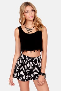 Crop Dead Gorgeous Black Crop Top at Lulus.com!
