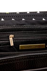 Hold On Tight Black Handbag at Lulus.com!
