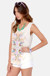 Gardenia State Ivory Floral Print Top at Lulus.com!