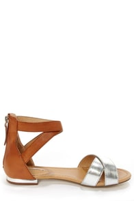 Jessy 02 Tan and Silver Color Block Flat Sandals at Lulus.com!