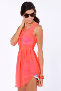 Heat Sheet Neon Coral Tunic Top at Lulus.com!