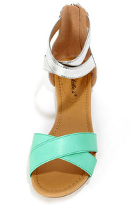 Jessy 02 Mint and Silver Color Block Flat Sandals at Lulus.com!