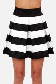I'm with the Band-age Black and White Bandage Skirt at Lulus.com!