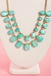 Shell's Belles Turquoise Statement Necklace at Lulus.com!