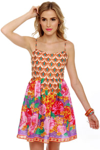 Thai Breaker Floral Print Dress at Lulus.com!