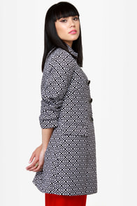 Streetcar Chic Black and White Jacquard Coat at Lulus.com!