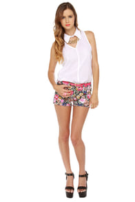 Mission Street Floral Print Shorts at Lulus.com!