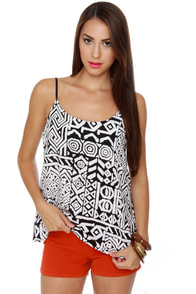 Maze to Order Black and White Print Top at Lulus.com!