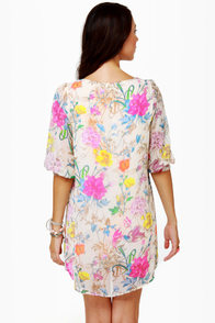 Iris You Were Here Floral Print Shift Dress at Lulus.com!