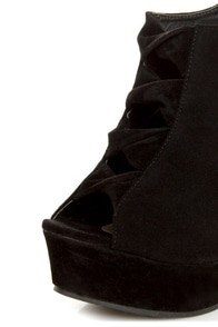 Yoki Miriam Black Cutout Peep Toe Shootie Wedges at Lulus.com!