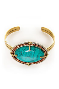 Stone Fox Turquoise and Gold Clutch Bracelet at Lulus.com!