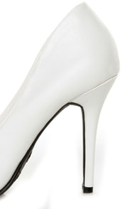 Anne Michelle Momentum 06 White Pointy Toe Pumps at Lulus.com!