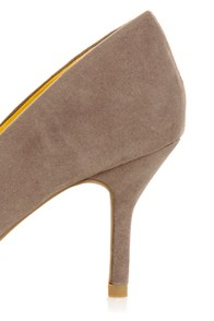 Bamboo Deluxe 01 Taupe Pointed Pumps