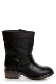 Bamboo Italo 03 Black Studded Motorcycle Ankle Boots at Lulus.com!