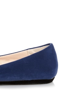 Bamboo Jayden 01 Blue Belted and Studded Pointed Flats at Lulus.com!