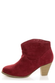 Bamboo Saratoga 01 Wine Red Ankle Booties at Lulus.com!